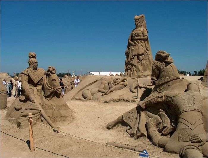 Дивовижні витвори мистецтва з піску (33 фото)