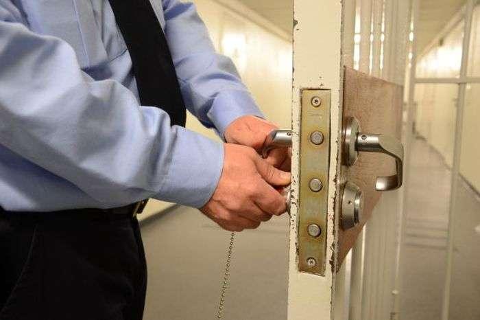 Умови утримання Андерса Брейвіка у вязниці (8 фото)