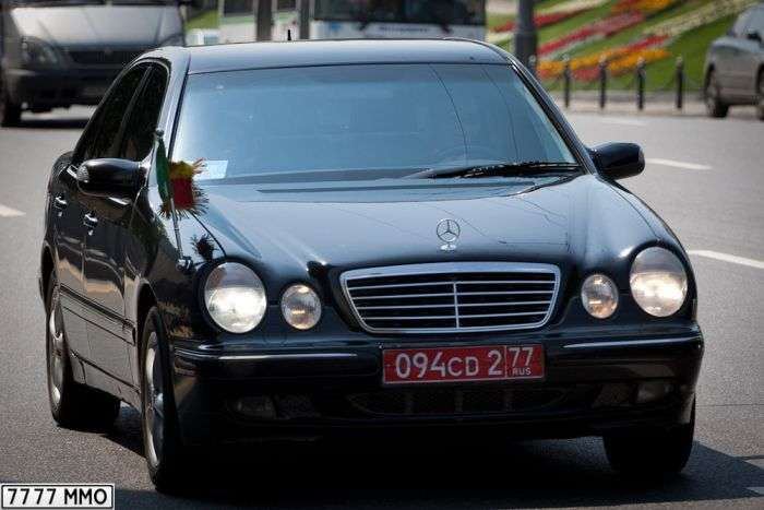 Автомобілі послів зарубіжних країн у Москві (168 фото)