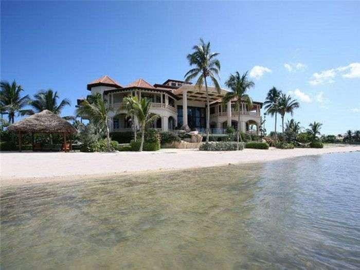 Будиночок біля моря за 42 578 200 євро! (48 фото)
