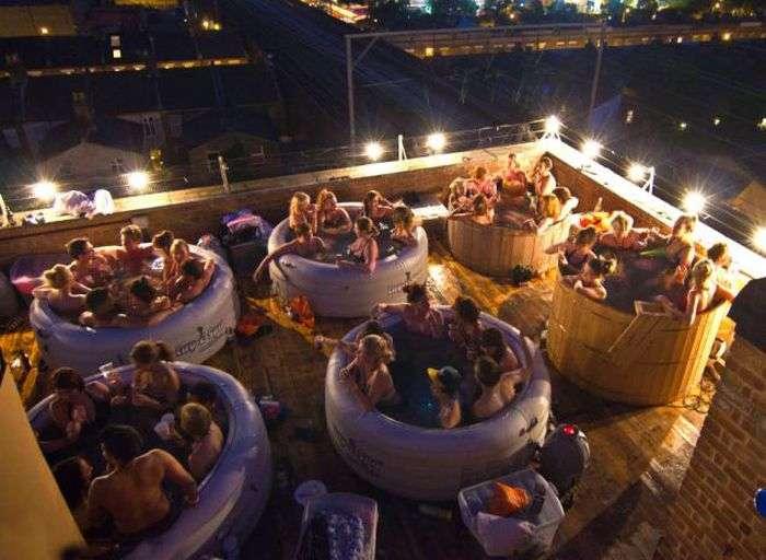 Незвичайний кінотеатр на даху будинку в Лондоні (8 фото)