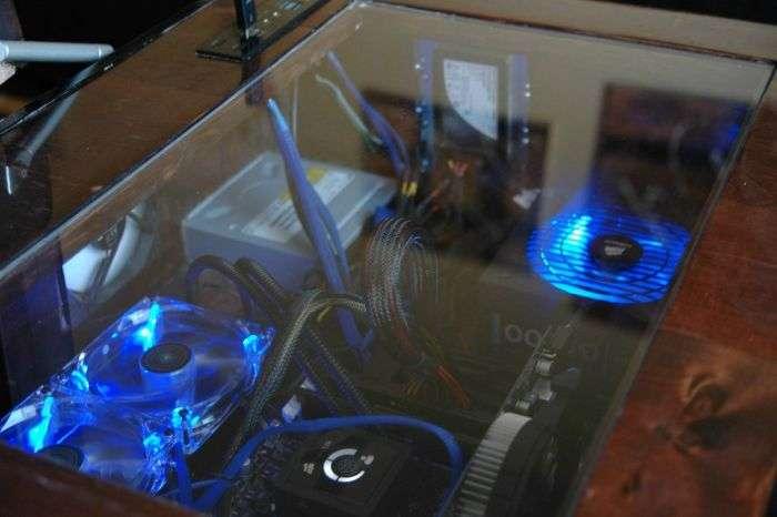 Унікальний моддінг компютера в журнальному столі (20 фото)