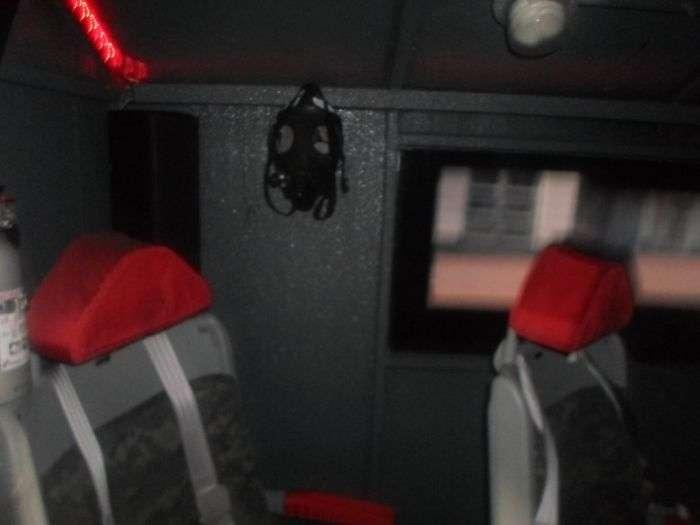 Крутий вантажівка в стилі мілітарі (9 фото)