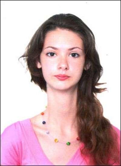 Дівчина з незвичайною шиєю (6 фото)