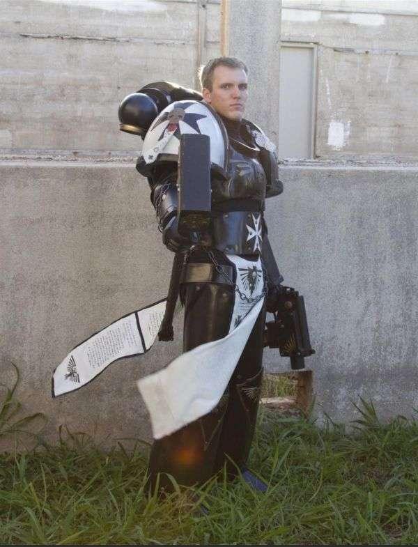 Крутий лицарський косплей-костюм (14 фото)