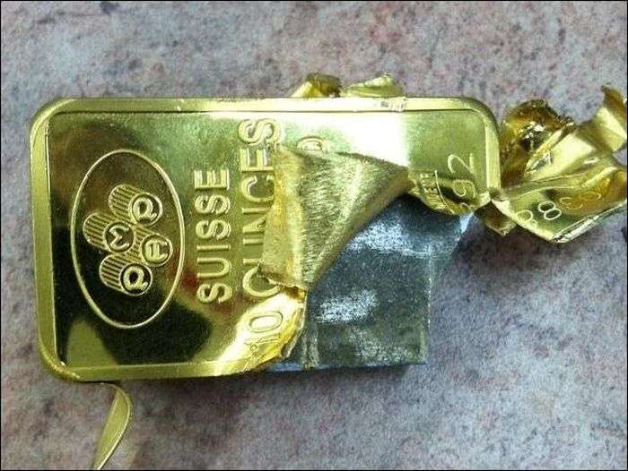 Як виробляють підроблені золоті злитки (4 фото)