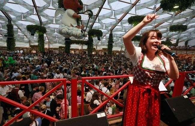 Фотозвіт зі свята пива - Октоберфест 2012 (25 фото)