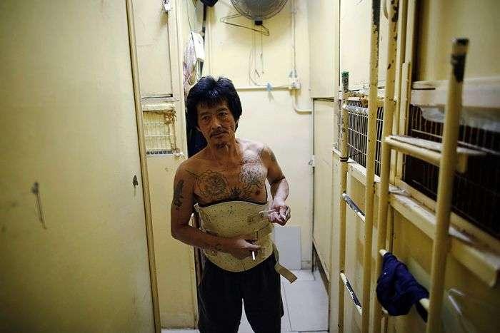 Умови життя більшої половини населення Гонконгу (10 фото)