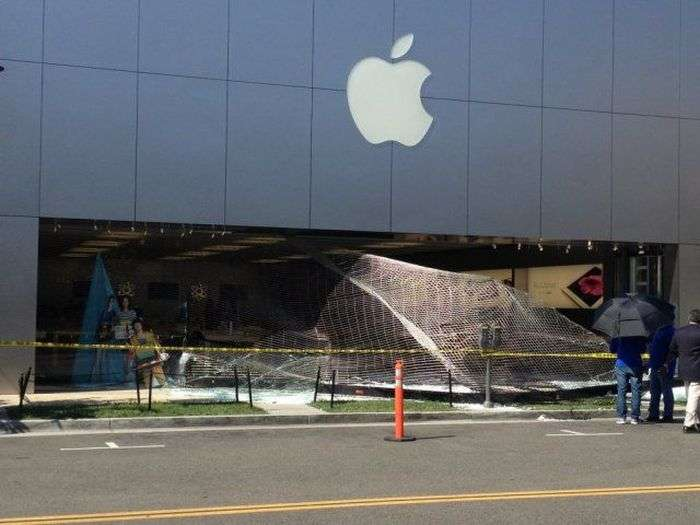 Невдале пограбування магазину Apple (3 фото + відео)