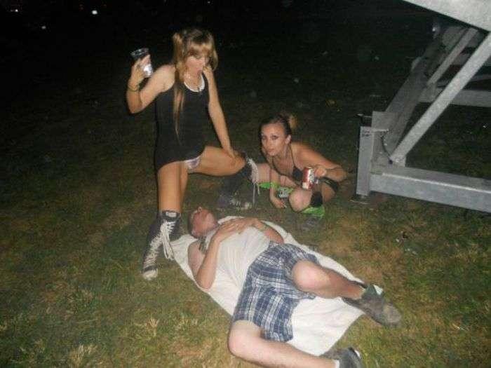 Не треба напиватися на рок-фестивалі (36 фото)
