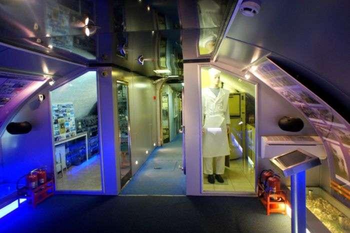 Екскурсія по музею - підводному човні (93 фото)
