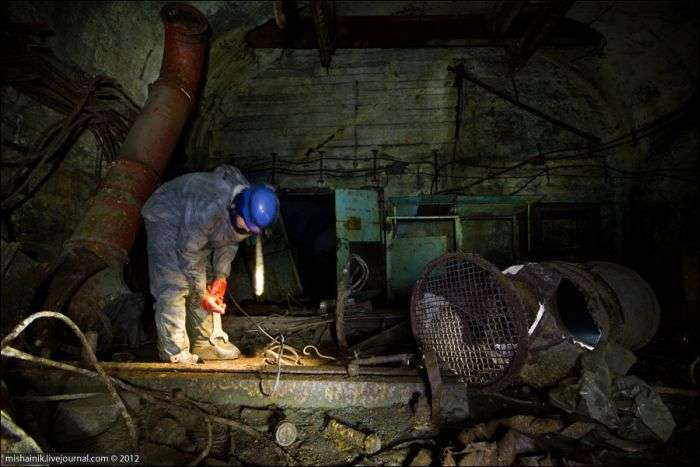 Прогулянка по старій шахті радянських часів (59 фото)