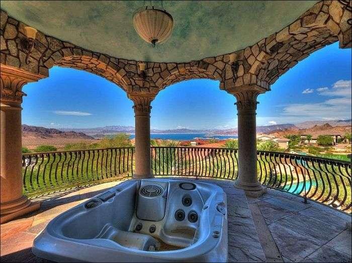 Шикарний будинок в пустелі (20 фото)