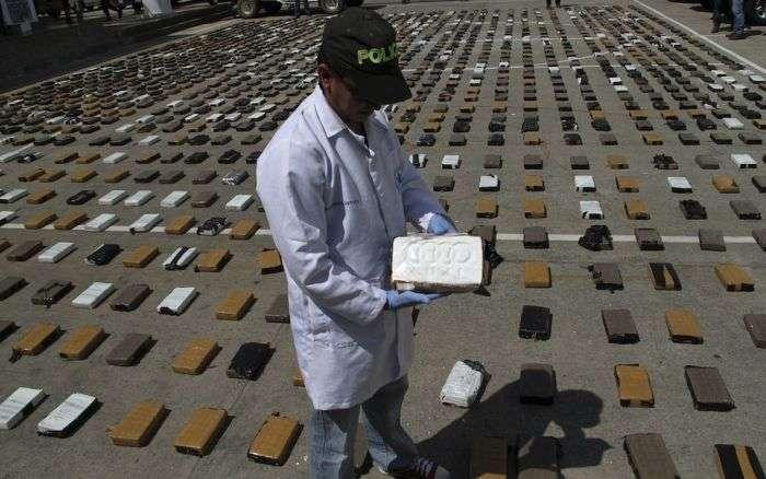 Партія кокаїну вартістю 3 млн доларів (4 фото)