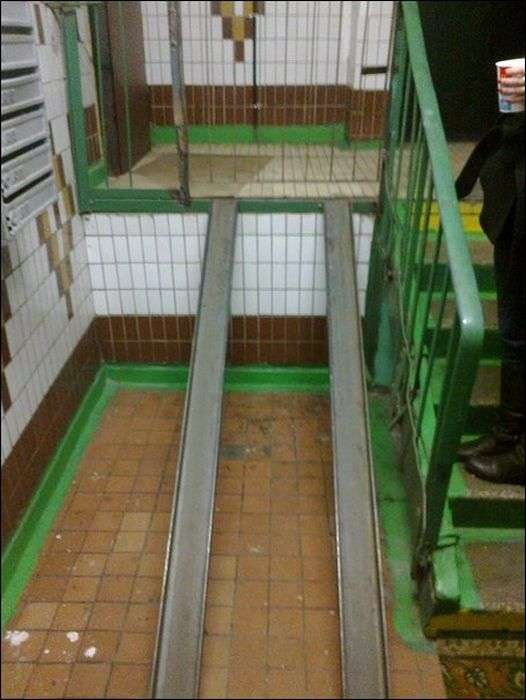 Маразми в пректировании пандусів для колясок (18 фото)