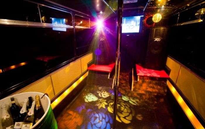 Крутий автобус для класних вечірок (8 фото)
