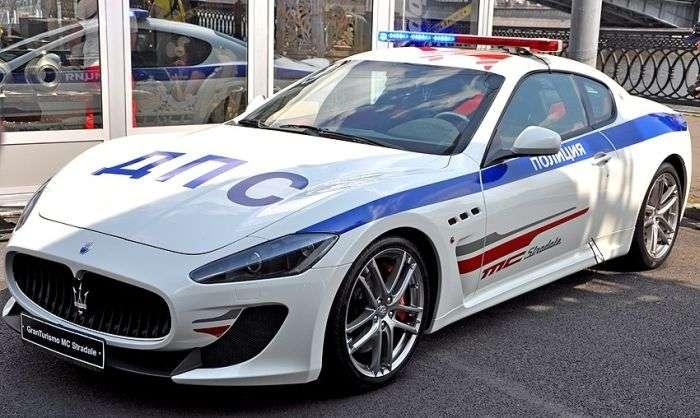 Автомобілі російської поліції (19 фото)