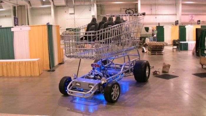Візок з магазину з двигуном від спорткара (13 фото)