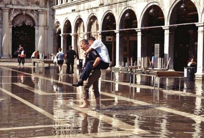 Венеція поступово йде під воду (28 фото)